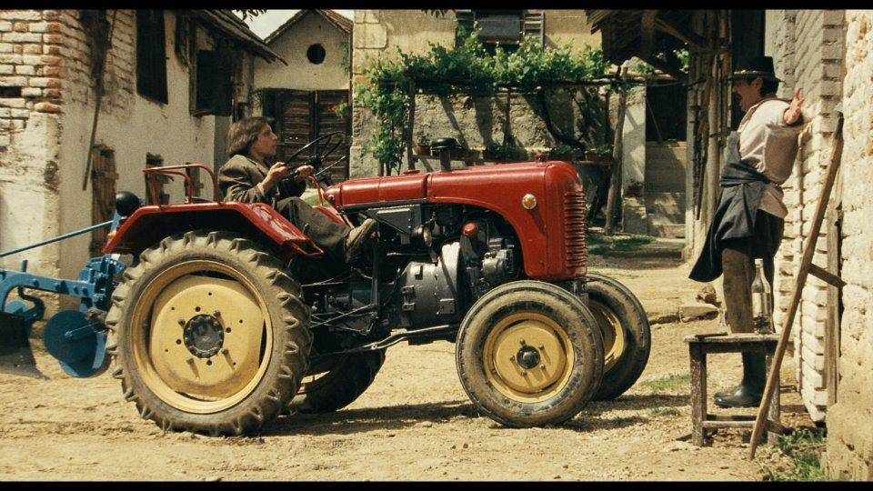 Domestic hit Tractor Love And Rock'n'Roll, film still