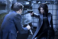 Kate Beckinsale and Theo James in Underworld: Awakening (2012)